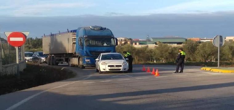 Policía Local de Pilas en control perimetral del municipio