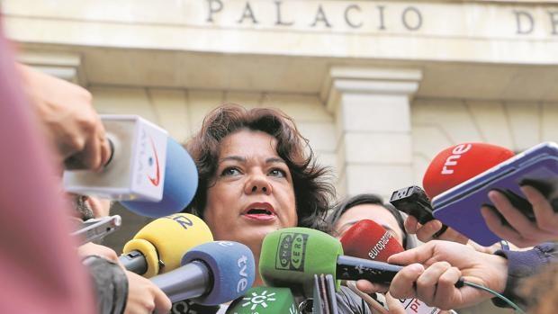 """""""Cuando la popular María Eugenia Moreno llegó a la Alcaldía de Huévar en 2019 encontró unos papeles que presuntamente reflejaban el «modus operandi» del PSOE local para la supuesta compra de votos"""